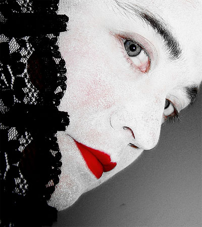 Woman with Gray Eyes and Red Lipstick_Pink Sherbet